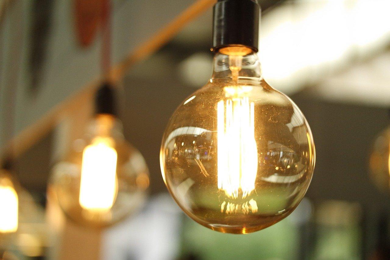 Eficacia VS eficiencia: la realidad de la factura eléctrica de su empresa