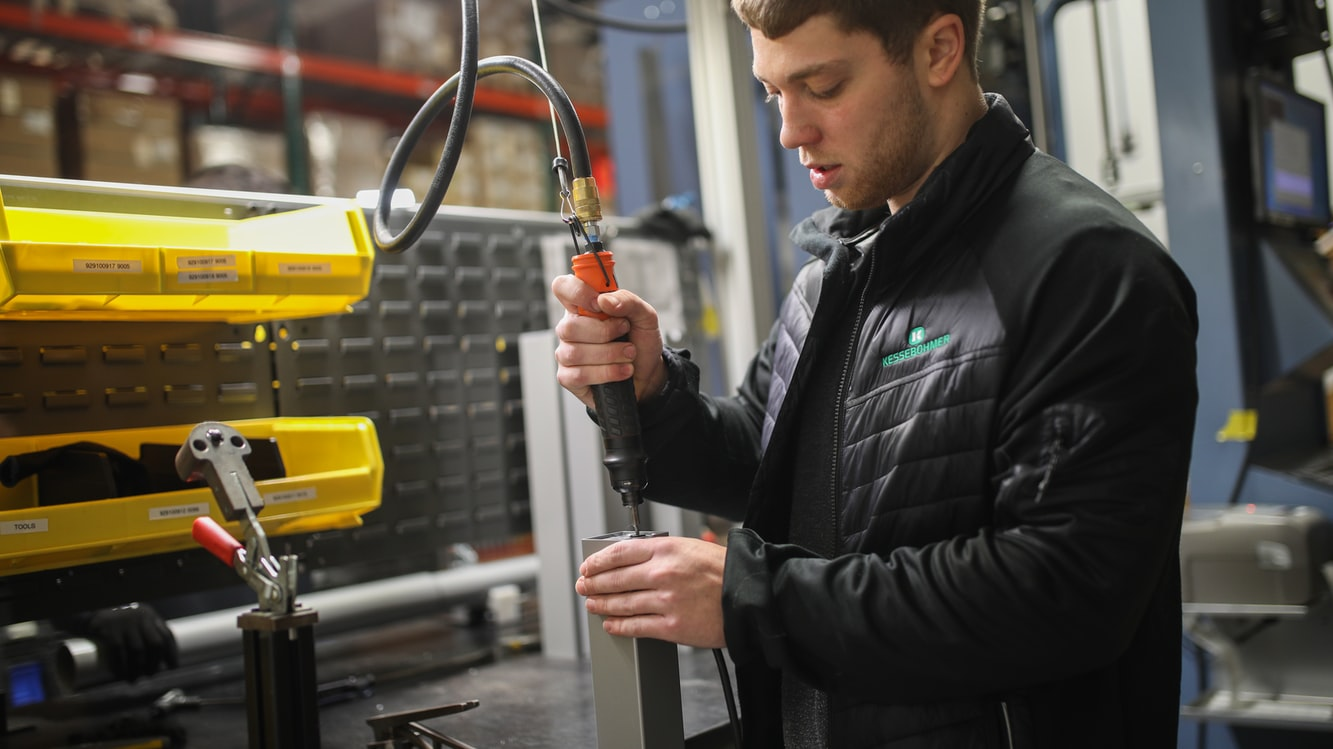 Cómo reparar las fugas de aire comprimido